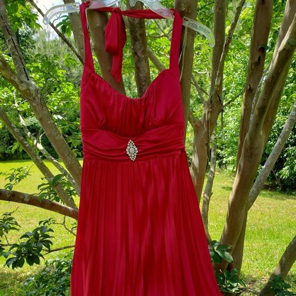 Speechless Dresses & Skirts - Formal red dress